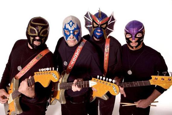 Группы, выступающие в масках