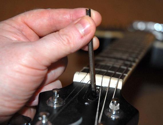 как отрегулировать анкер на гитаре