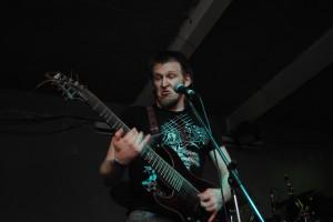 Супрун Денис - 8 струнная гитара