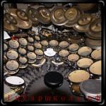 Пособие состоит из двух частей и содержит аудиоприложение. Автором школы игры на барабанах является Л.Егорочкин.