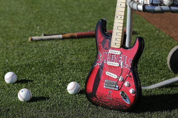 Гитары бейсбольной тематики