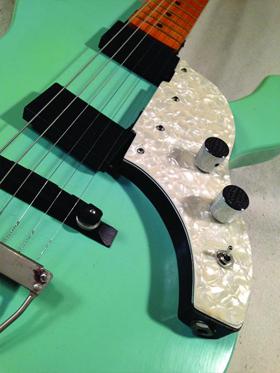 Дека и электроника гитары Musicvox Spaceranger