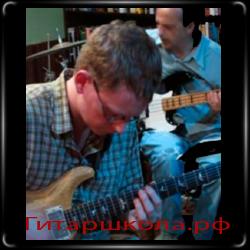 преподаватель джазовой гитары Мэтт Уорнок