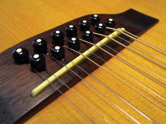 Порожек 12-ти струнной гитары